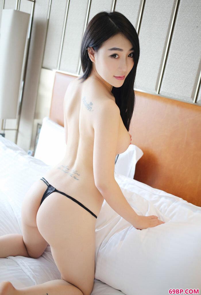 美媛馆大学生小妮纹身丰臀一样不少_美女粉��10P