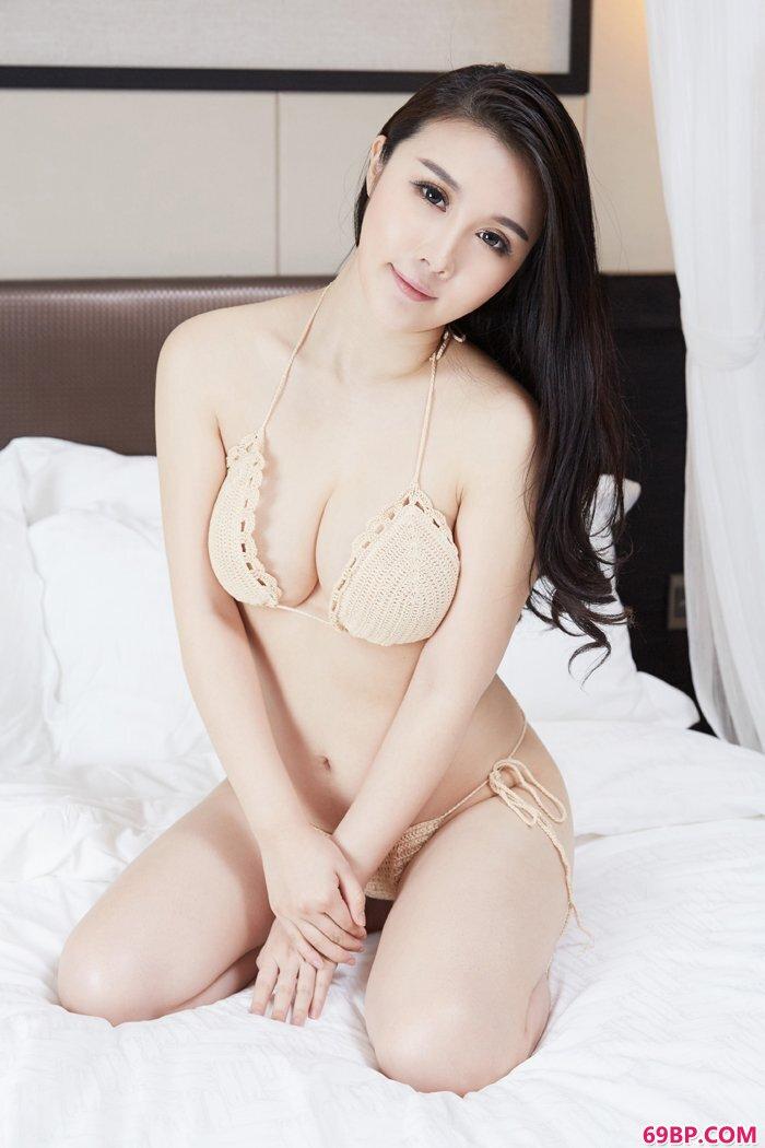 少女陆萱萱全裸上阵大秀性感G奶_少妇19p