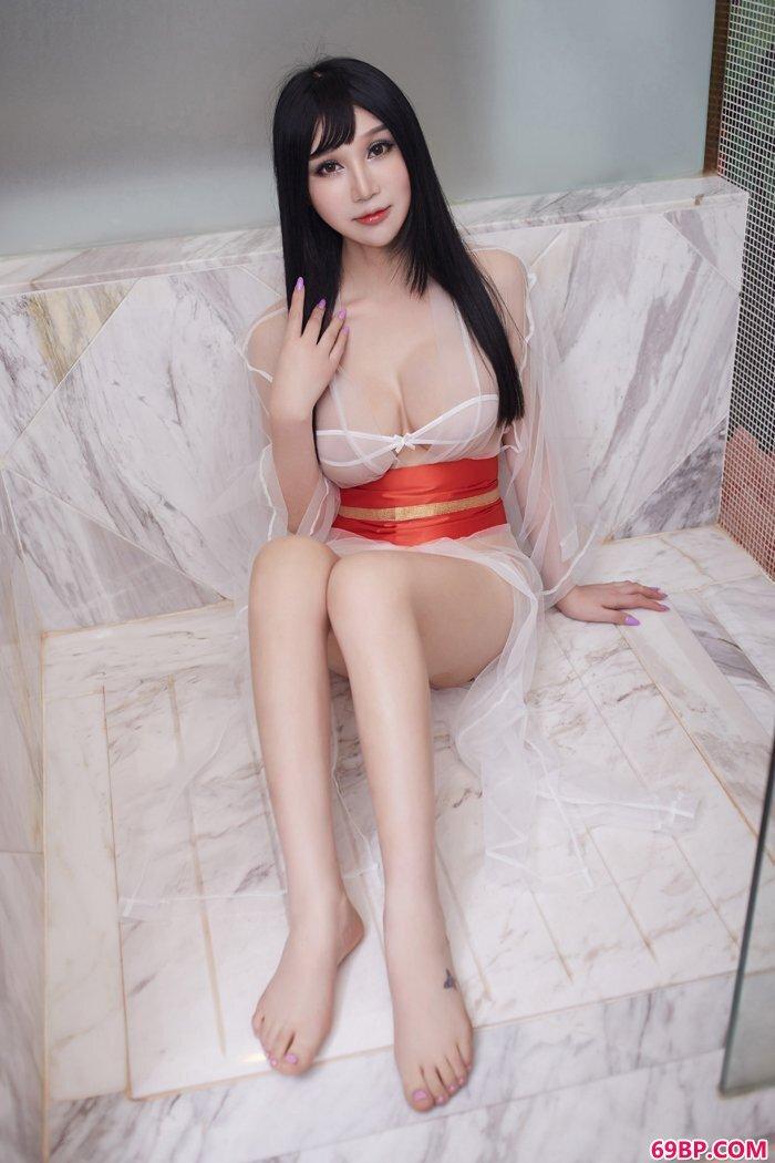 美胸女王李宓儿巨奶来袭尺度巨大_日本人69xX�69