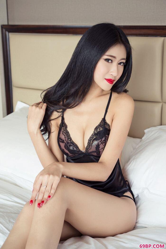 人妻张蓝欣艺术摄影魅惑眼神令人销魂_377P欧洲日本大胆艺术