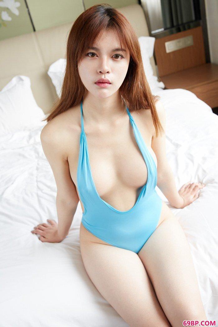 性感尤物Gina蜜桃美臀让人百看不厌_gogo人体高人体艺术
