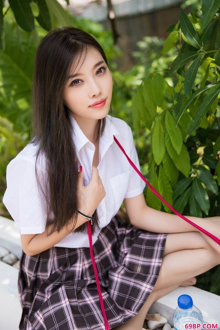 风骚学姐杨晨晨巨胸软嫩长腿白皙迷人_西西人体wwwxixirtnet