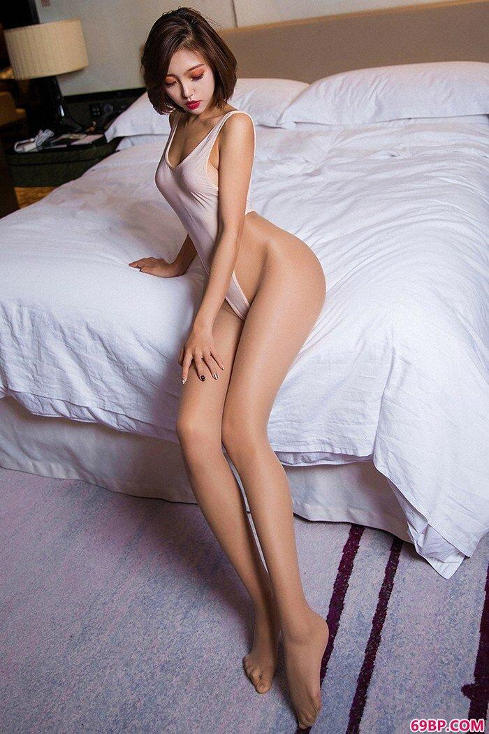 长腿妖精冯木木迷人曲线挪不开眼_日本美人