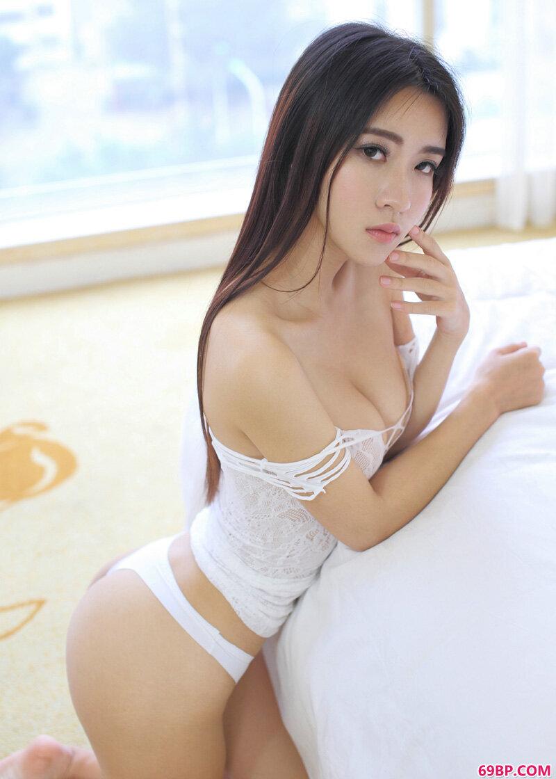 小夕Kitty美胸内裤诱惑大胆摄影_欧美1314xoxoxo