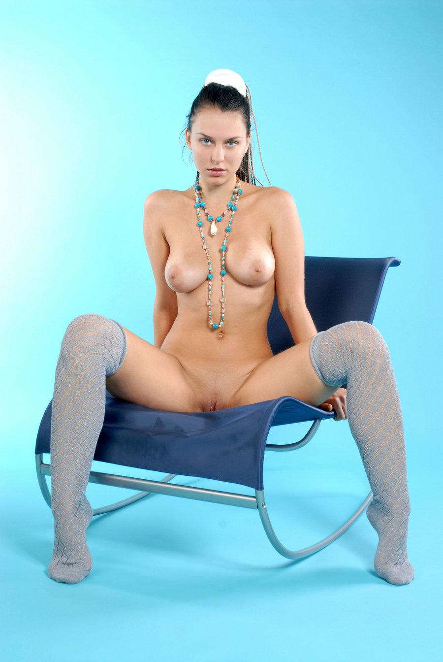 蓝色背景室拍大尺度俄罗斯裸模Iveagh_国模大尺度私拍