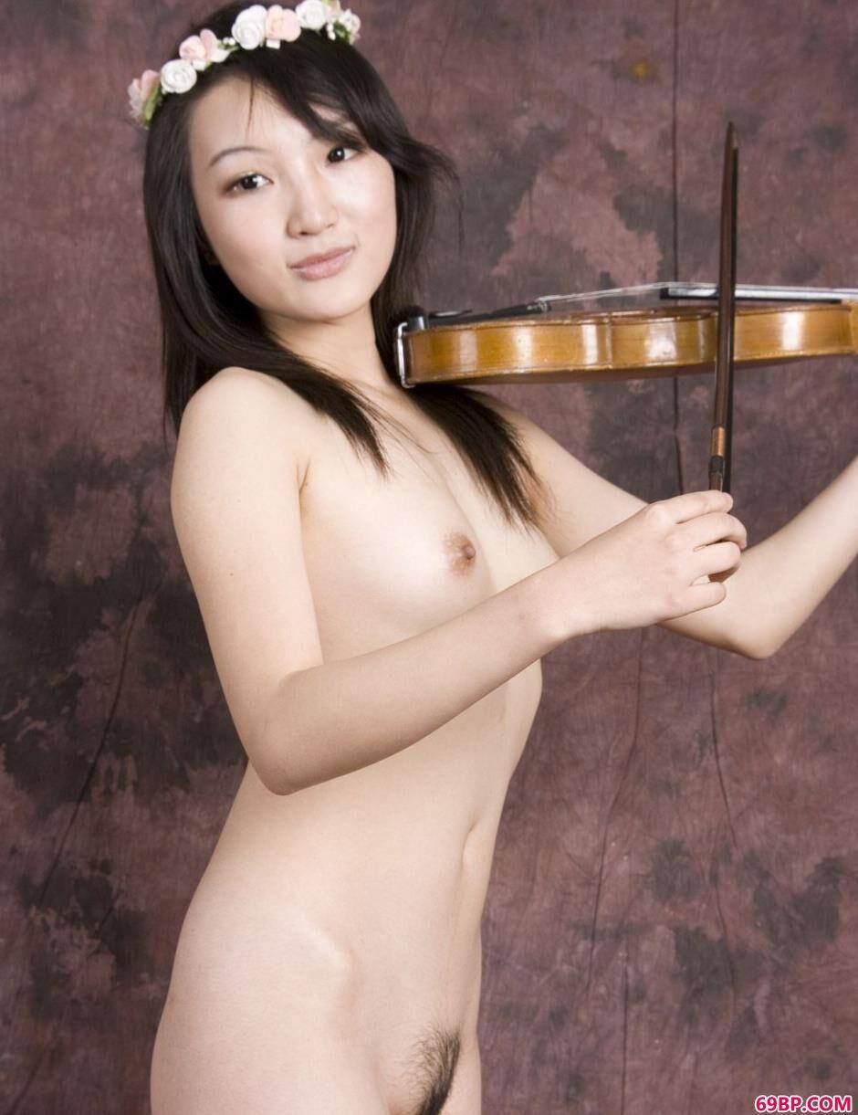 美模雯真室拍小提琴美体_人体摄影论坛