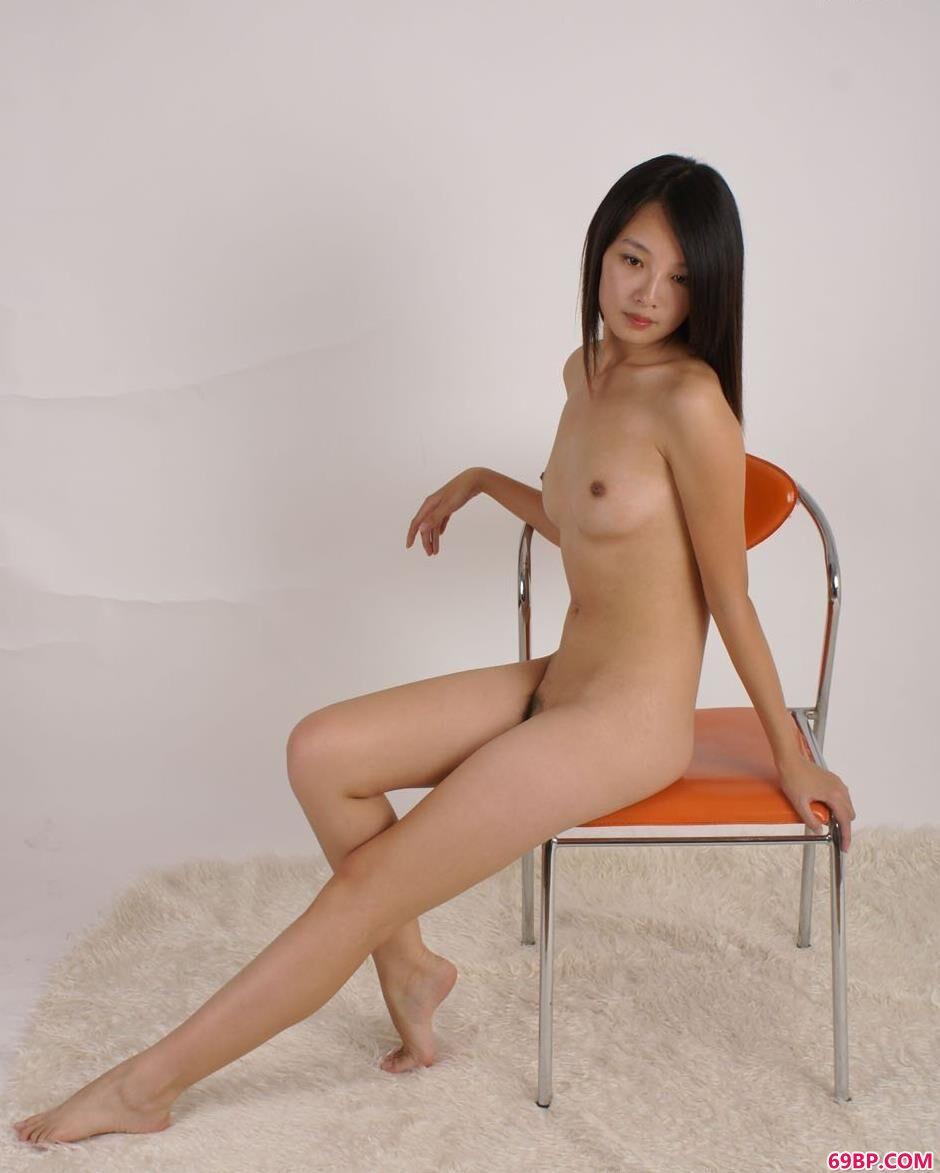 337p人体艺术摄影,超模菲菲凳子上的清纯人体