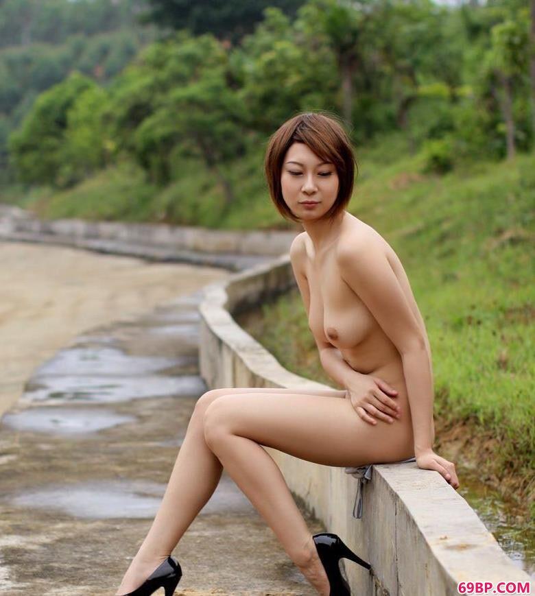 山间湖中mm雯雯2