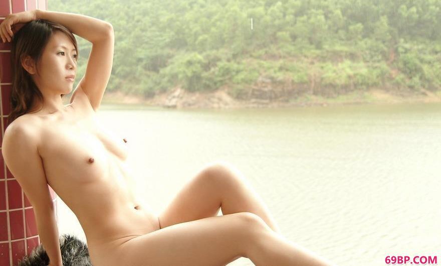绿色生活泡温泉的秋雨2_熟女少妇36p