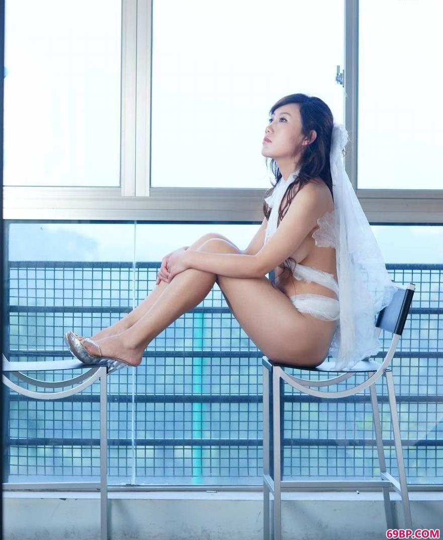 xixi模特蓝衣细纱美体1_日本丰满学生��