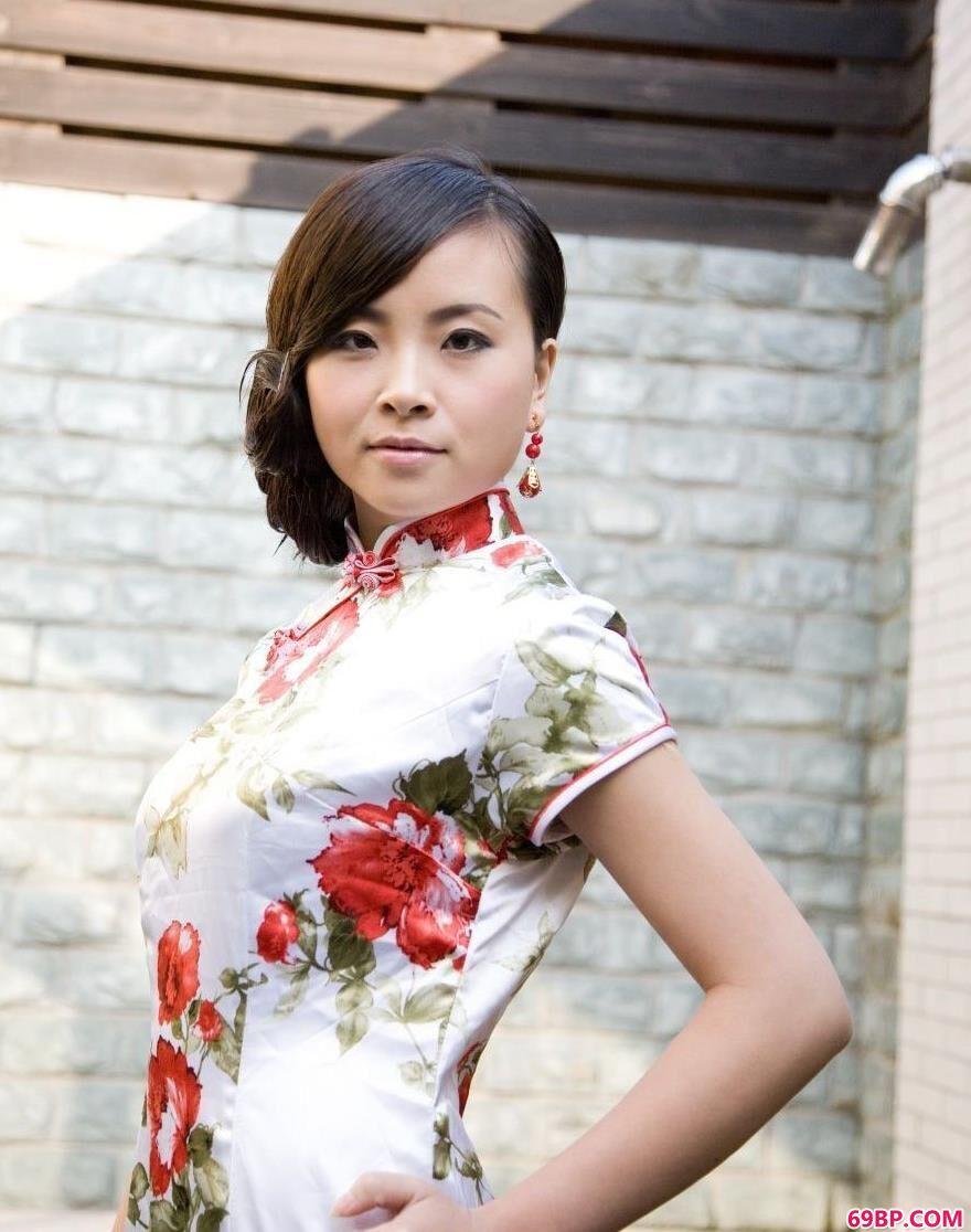 亚裔旗袍超模KATYAU1