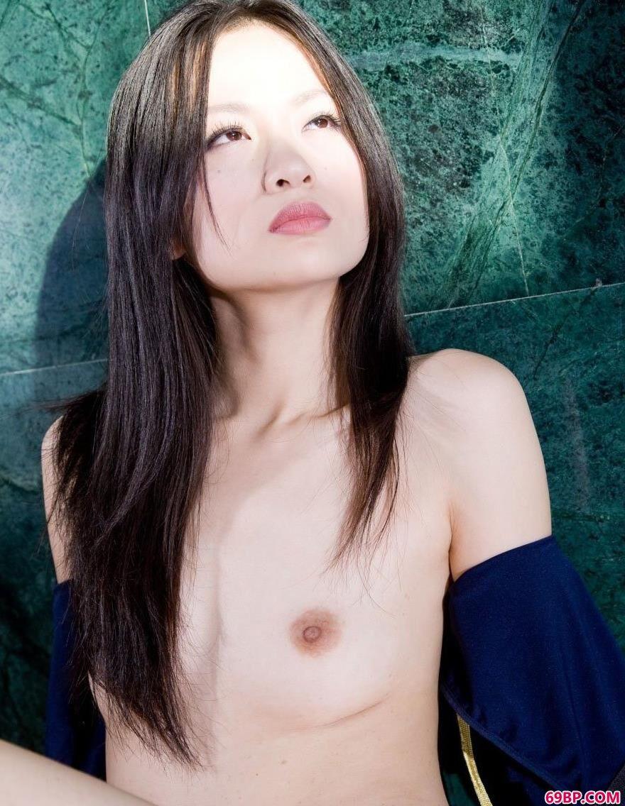 气质非凡METARTxixi模特胡月兰人体艺术6_女友的粉嫩12p