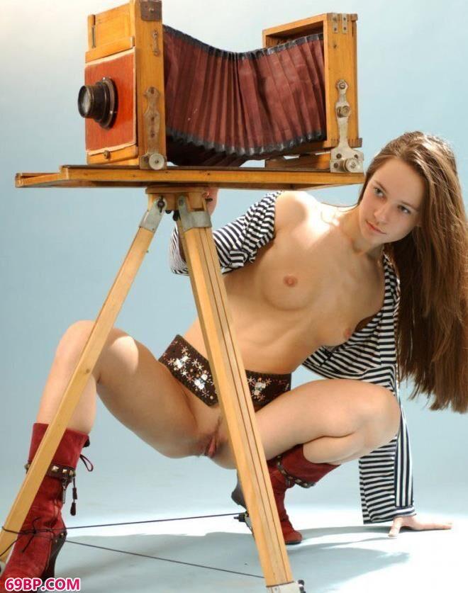 名模雪莉写真棚里的无圣光人体