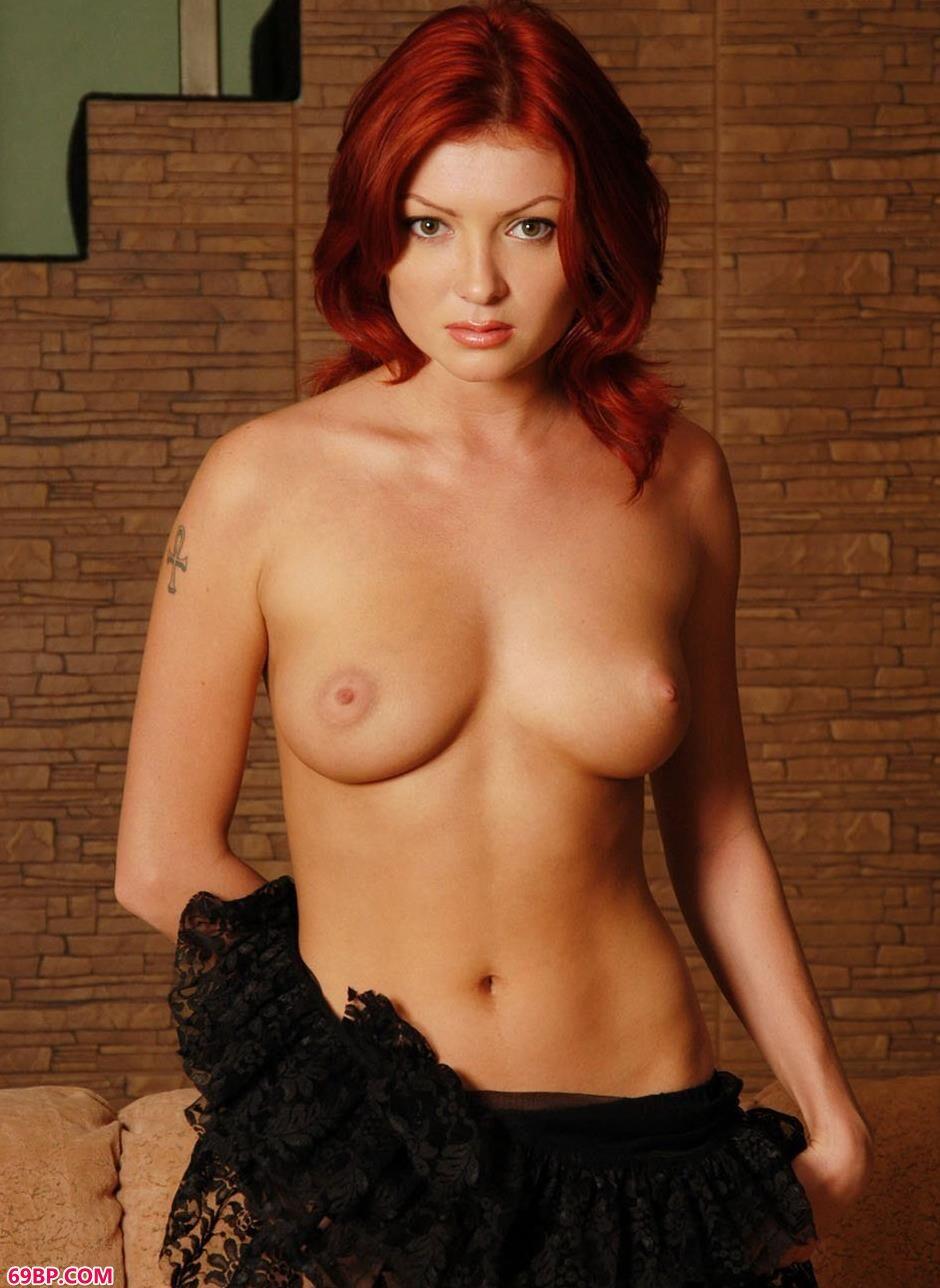 美模Maxine布衣沙发上的红发狂人2