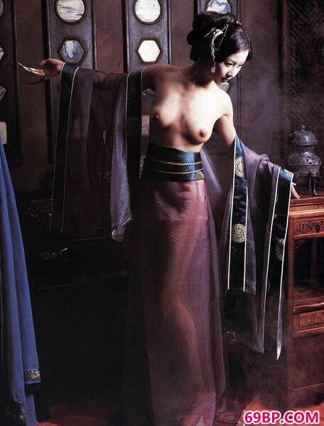 汤加丽人体艺术图片摄影集