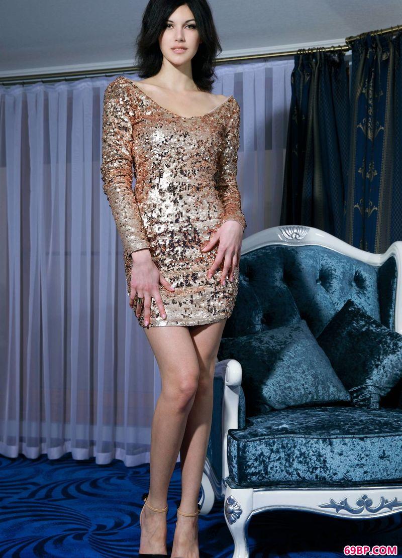 苏紫紫野外写真人体艺术写真,闪闪动人的嫩模Elizabet