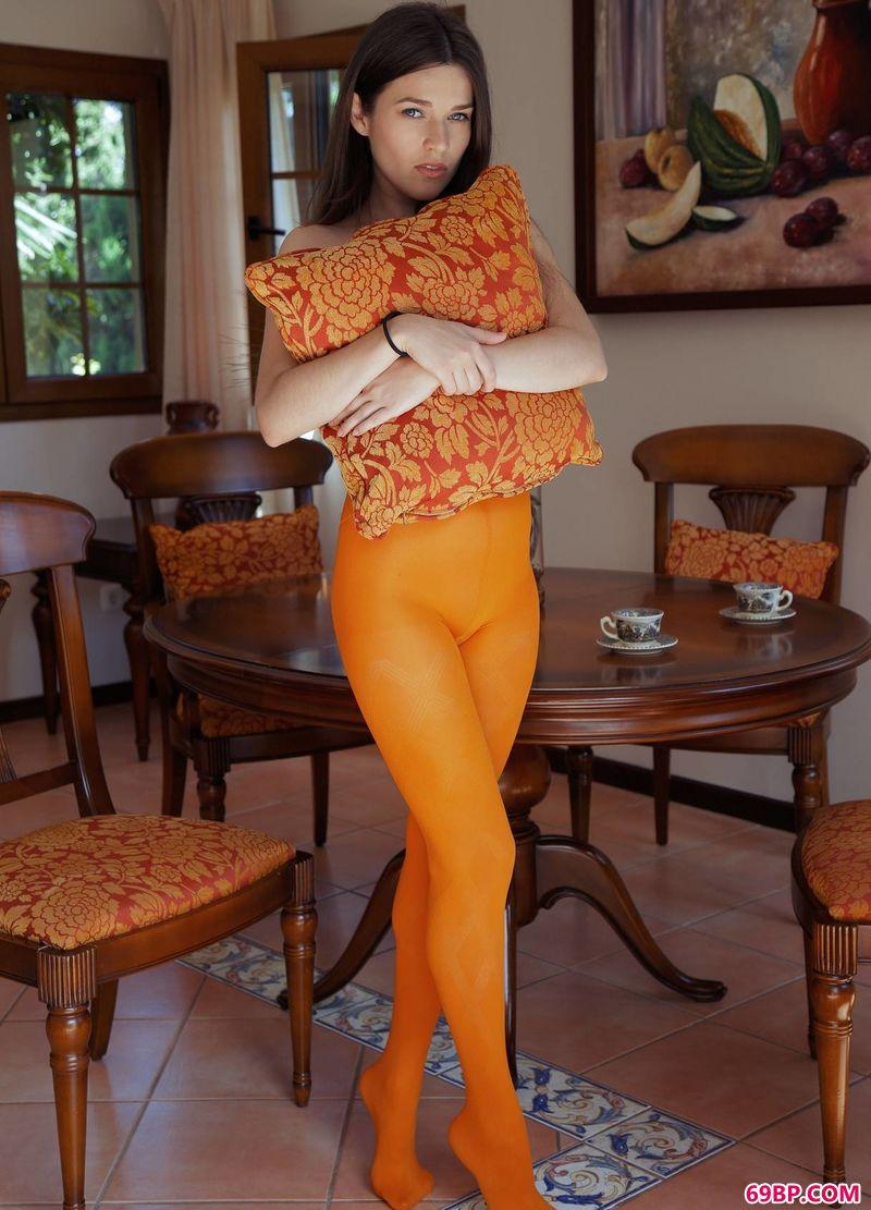 橘色薄丝视觉美模Serena