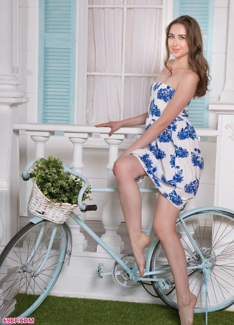 青花瓷单车女神Ginger