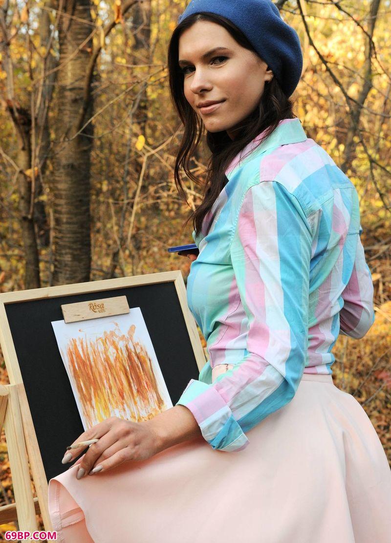 室外油画美模Suzanna,欧美金发大胆少妇人体艺术