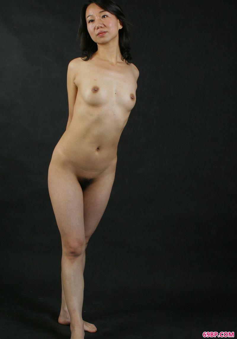 雕塑感室拍嫩模小娴